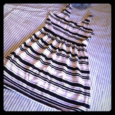 Jcrew striped dress Perfect casual dress from JCrew. EUC. Pair it with a black belt and flats for brunch! J. Crew Dresses Mini