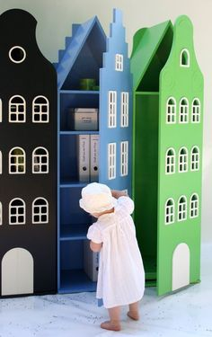 Kast van een Huis Cabinets, colourful toy storage cabinets for a playroom