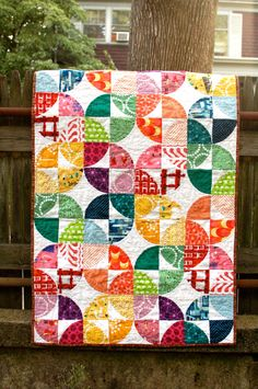 "A ""make you smile"" quilt! I'm so gonna make this one- i love the Drunkard Path design and made this way is beautiful- I'm thinking some Hawaiian prints a bit different from this one- but love this one!!"