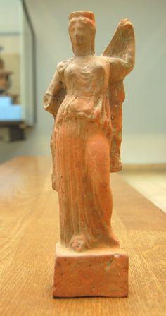 Hera (Juno), Greek statuette (terracotta), 5th century BC, (British Museum, London).