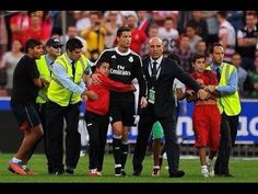 Pitch-Invader Hugs Cristiano Ronaldo, Refuses to Let Go of Him | Bleacher Report