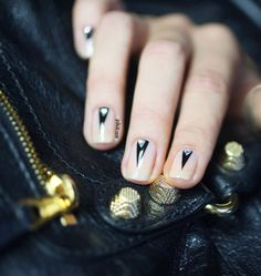 best version of this mani i've seen the triangle diamonds take it to the next level from pshiiit