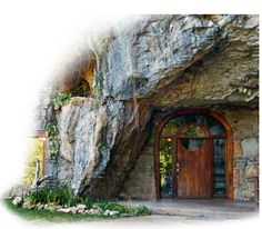 this cave home, which is right here in the U.S. fortunately for me, has been a fave of mine for a really long time ... but when I went to their website to link to their gallery page a notice about website maintenance ... so I'm just going to link to their home page.