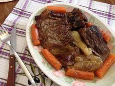 Μοσχαράκι στη γάστρα με καρότα και χυμό πορτοκάλι Pot Roast, Ethnic Recipes, Food, Carne Asada, Roast Beef, Essen, Meals, Yemek, Eten