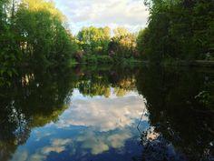 selfie swiata w lustrze wody #natura #beautiful #woda #staw #drzewa #trees #nature #krajobraz #wiosna #spring #landscape #picoftheday #katowice #katopato #poland #silesia #ilovesilesia #ligota #may #maj #clouds #water #green #blue #colorful #nice by kaplon93