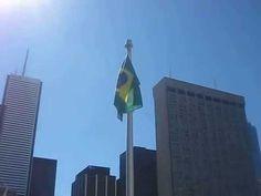 Hasteamento da bandeira brasileira na Prefeitura de Toronto - 07/09/2014