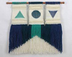 Handwoven by Youplaloom. Wall hanging. Ce tissage sera parfait sur nimporte quel mur de votre maison. Il y ajoutera de la couleur et de la texture. Mais pourrait aussi faire un cadeau
