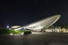 Galería - Cubierta Autostadt y Servicio de Pabellón / Graft Architects - 91