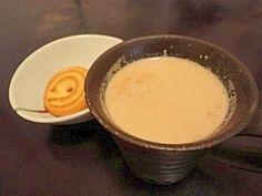 「【本場家庭の味】濃厚チャイ」パキスタン人の義母がいつも作ってくれるチャイです。水は使わず牛乳だけで作るので渋みもなく濃厚でやさしい味わいです。【楽天レシピ】