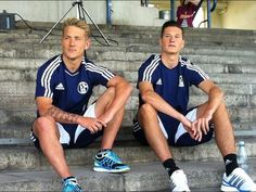 Julian Draxler and Lewis Holtby at Glückauf Kampfbahn. I've been on those steps!
