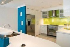 cucina-di-lusso-moderna-verde-e-azzurra