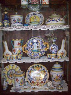 Vetrinetta di ceramica Hand-Painted #Italy #Deruta #Majolica http://ceramicamia.blogspot.it/