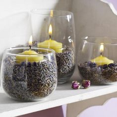 fill a jar with dried lavender buds (or coffee beans) and nestle an unscented candle in its own holder in the center. The heat from the burning candle will warm up the lavender (or coffee beans) and make your entire room smell delicious. I love lavender ! Lavender Buds, Lavender Candles, Yellow Candles, Lavender Ideas, Vanilla Candles, Lavender Room, Lavender Decor, Lavender Crafts, Growing Lavender