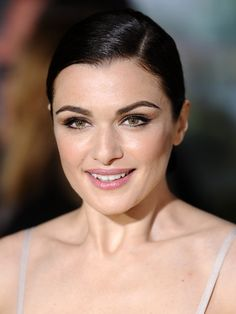 Look of the day: Rachel Weisz's glowy skin, gorgeous brows and flicky eyeliner http://beautyeditor.ca/2013/02/21/look-of-the-day-rachel-weiszs-glowy-skin-gorgeous-brows-and-flicky-eyeliner/