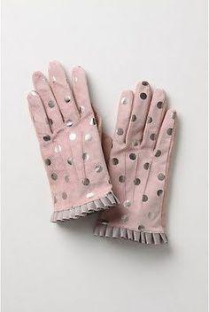 POLKA DOTS~Pink and silver polka dot gloves! Pink Love, Pink Grey, Pretty In Pink, Vintage Pink, Vintage Ladies, Gants Vintage, Polka Dot Gloves, Caroline Reboux, Bracelet Crochet