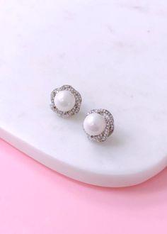 ff7854c54bde 22 inspiring Pearl Stud Earrings images