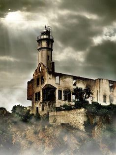 By  DEATH B4 DISINFO    Abandoned places around the world make for some of the most stunning pictures, but they also have an eerie quality about them. These p