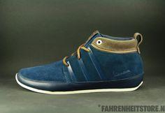 Adidas - Adidas Vespa Casual Lux Colnav Espres G17911 Vans Era, Mode Masculine, Vespa, Adidas Originals, Gentleman, Men's Shoes, Running Shoes, Mens Fashion, My Style