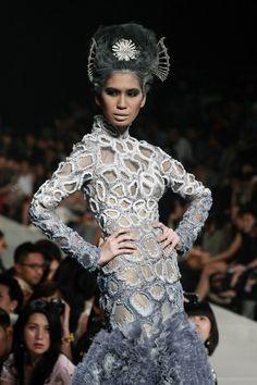 http://www.artistspringboard.com/: Jakarta Fashion Week - Tex Saverio