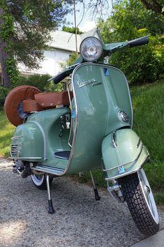 Piaggio Vespa, Moto Vespa, Lambretta Scooter, Vespa Vintage, Vespa Retro, Vintage Cars, Vespa Scooters For Sale, Vespa Motor Scooters, Scooter Bike