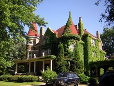 Karen look at this site. It has hundreds of pictures of Victorian and Queen Anne houses. Victorian Style Homes, Victorian Design, Victorian Architecture, Amazing Architecture, Vermont, Lets Run Away, Old Houses, Nice Houses, Amazing Houses