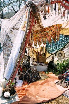 40 Ideas Backyard Boho Glamping For 2019 Go Glamping, Tent Camping, Backyard Camping, Camping Trailers, Bohemian Decor, Bohemian Style, Bohemian Gypsy, Bohemian House, Deco Zen