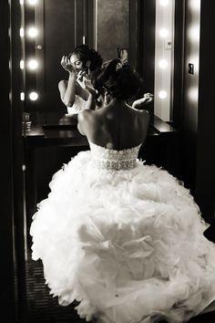 Atlanta Wedding With City View by Nadia D. Photography: Alicia and Lance - Munaluchi Bridal Magazine