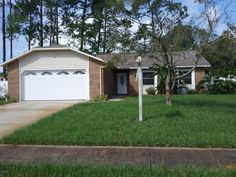 Hot Property Alert: Awesome 3 bed, 2 bath Pool Home in #PortOrange. Features new carpet, paint AND appliances, plus updated vanities in the bathrooms. Master Suite opens up into a private screened area, with a shed in the fenced backyard and a screened pool for plenty of family fun!! Contact Ginny Norman at 386-506-9435 or Debi Owens at 386-566-7763 for more photos and information! #realestate #poolhomes #exitbeachrealty