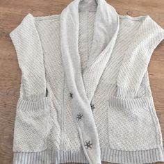 Lulumon Athletica Grey Sweater Light Grey Lulu Sweater. Worn only a few times. lululemon athletica Sweaters Cardigans