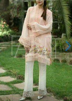 Favourite Pakistani Formal Dresses, Semi Formal Dresses, Pakistani Dress Design, Formal Outfits, Latest Kurti Styles, Eid Collection, Indian Wear, Indian Fashion, Womens Fashion