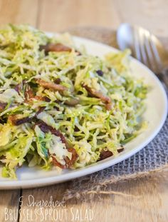 This 5 Ingredient Brussels Sprout Salad is mixed with crispy bacon and a Dijon mustard, maple and lemon dressing Sprouts Salad, Brussel Sprout Salad, Brussels Sprouts, Shredded Brussel Sprouts, Sprouts With Bacon, Delicious Vegan Recipes, Healthy Recipes, Amazing Recipes, Bacon Salad