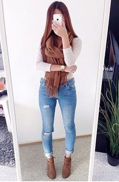 outfits for school . outfits with leggings . outfits for school winter . outfits with air force ones . outfits with black jeans . outfits with doc martens Winter Fashion Outfits, Fall Winter Outfits, Look Fashion, Womens Fashion, Winter Outfits Tumblr, Feminine Fashion, Fashion Trends, Spring Outfits, Pinterest Mode