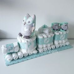 No-Fuss Systems For Pretty Diaper Cake Decor Ideas - An Update - Lelo Lelo Regalo Baby Shower, Baby Shower Diapers, Baby Shower Cakes, Baby Shower Parties, Baby Boy Shower, Baby Shower Gifts, Diaper Cake Boy, Nappy Cakes, Mini Diaper Cakes