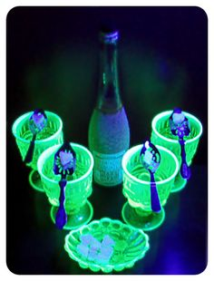 Absinthe: Dancing with the Green Fairy Green Fairy Absinthe, Uv Photography, Types Of Glassware, Vaseline Glass, Bar Drinks, Vintage Colors, Mixed Drinks, Colored Glass, Liquor
