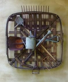 Tobacco Basket with old tools Home Decor Baskets, Basket Decoration, Baskets On Wall, Bushel Baskets, Country Decor, Rustic Decor, Farmhouse Decor, Tuscan Decor, Rustic Colors