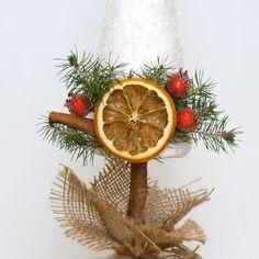 Red And Gold Christmas Tree, Christmas Crafts To Make, Diy Christmas Ornaments, Homemade Christmas, Rustic Christmas, Simple Christmas, Christmas Holidays, Christmas Cards, Christmas Centerpieces