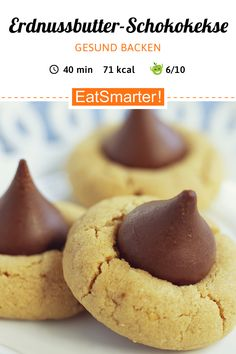 Gesunde Plätzchen: Erdnussbutter-Schokoladen-Kekse If you don't like the intense peanut taste, you can easily prepare the cookies with another nut sauce of your choice, for example with almond or hazelnut sauce. Chocolate Peanut Butter Cookies, Chocolate Biscuits, Cookie Recipes, Snack Recipes, Healthy Peanut Butter Cookies, No Bake Cookies, Baking Cookies, Macaron, Holiday Desserts