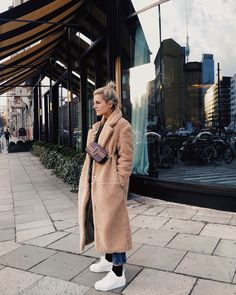 Marina Ilic wearing our Marc Jacobs Fall Snapshot Bag Paris Outfits, Fall Outfits, Fashion Outfits, Marc Jacobs Snapshot Bag, Looks Style, My Style, Marc Jacobs Logo, Marc Jacobs Crossbody Bag, Fashion Bible