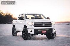 8 2015 Tundra Toyota Suspension Lift 4 Fuel Assault Black Aggressive 1 Outside Fender