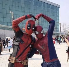A collection of all things Spideypool Deadpool X Spiderman, Cosplay Deadpool, Spiderman Dancing, Cosplay Marvel, Cute Deadpool, Spiderman Cosplay, Marvel Comic Universe, Marvel Dc Comics, Marvel Avengers