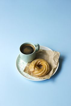 "Love this photo style. Maybe a wee bit less ""blue"" space. But it's nice and clean. [Salted Maple Crullers // The Sugar Hit!]"