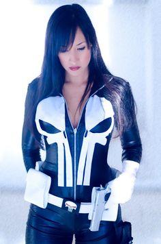 The Punisher ~ female Version Marvel Comics Cosplayer: Kathe Jiménez
