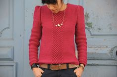 The Darling Sweater and its tutorial by Lisallu. Free tutorial, in french, DIY, knitting. Make a beautiful sweater with this tutorial. Yarn Inspiration, Mode Inspiration, Pullover, Diy Crochet, Knitting Designs, Pulls, Diy Fashion, Knitwear, Sweaters For Women