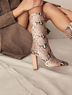 Los zapatos de mujer más sofisticados en Massimo Dutti. Descubra la  colección AW17  botines 3ba906bc5390