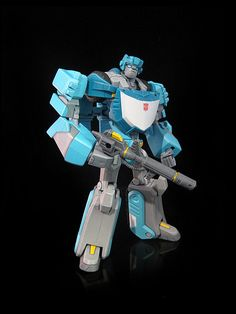 Animated Kup 2 Transformers Drawing, Transformers Characters, Transformers Action Figures, Transformers Robots, Custom Action Figures, Queen Bees, Toy Boxes, Box Art, Live Action