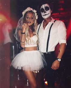 Best Couples Costumes and Matching Costumes For Helloween You Must Try In Nex., 31 Best Couples Costumes and Matching Costumes For Helloween You Must Try In Nex., 31 Best Couples Costumes and Matching Costumes For Helloween You Must Try In Nex. Couples Halloween, Best Couples Costumes, Creative Halloween Costumes, Halloween 2019, Diy Costumes, Halloween Makeup, Diy Halloween, Hot Couple Costumes, Cute Couple Halloween Costumes
