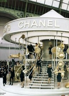chanel    http://OceanviewBLVD.com   http://twitter.com/TreyPeezy Great idea for JCF too. Maybe make colette installment this way with display inside and dining area inside?