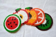 5 frutti sottobicchieri fatti a mano con perline di CutieTengoku, €12.00