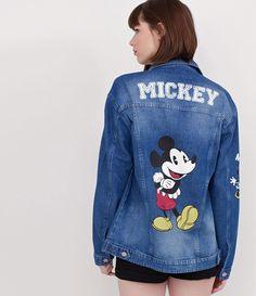 Jaqueta feminina  Com estampa Mickey  Marca: Disney  Tecido: jeans  Modelo veste tamanho: P       Medidas da modelo:     Altura: 1,74  Busto: 88  Cintura: 63  Quadril: 89     COLEÇÃO INVERNO 2017     Veja outras opções de    jaquetas femininas   .