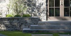 lovely generous steps extending beyond the stone wall Patio Steps, Outdoor Landscaping, Outdoor Gardens, Lawn And Garden, Home And Garden, Garden Paths, Outdoor Spaces, Outdoor Living, Stone Deck